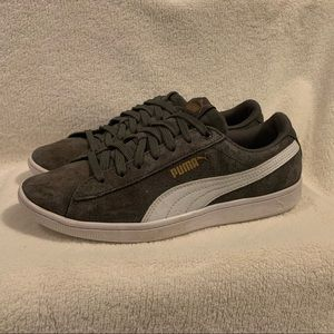 Gray Pumas. Size 8.5 Super Cute! Used.